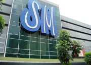 sm logo (has the same font of shoeworld)