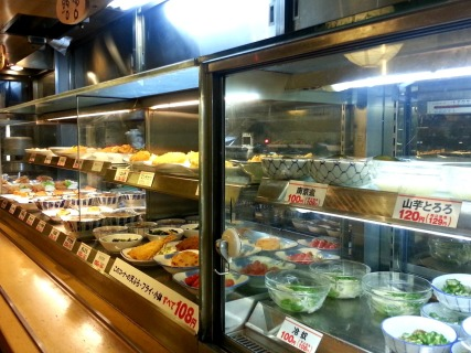 no conveyor belt machine... an old and reliable self service japanese eatery