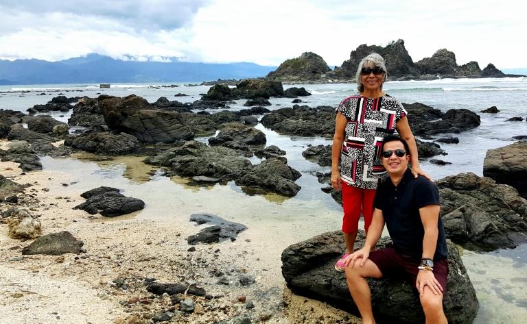 me & nengkoy posing at lukso-lukso beach & islets