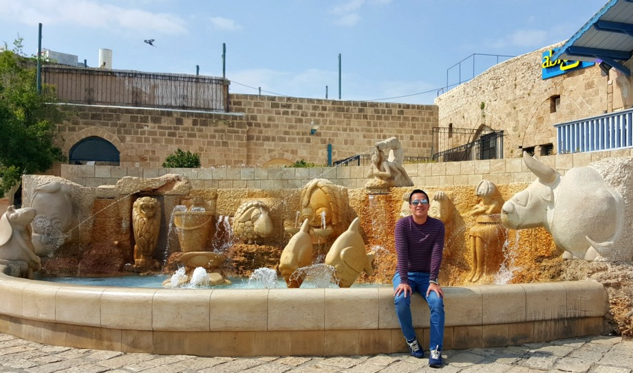 zodiac sign fountain inside old jaffa square