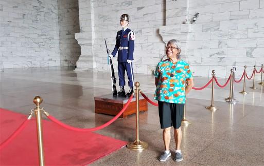 nengkoy with the cks guard.jpg